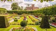 Een blik op 500 jaar geschiedenis en de ontwikkeling van de bekendste Engelse tuinen.